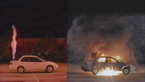 Links: brand met waterstof         |         Rechts: brand op benzine